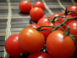 tomatoes-264967_640-300x225