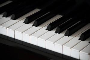 1313_piano-300x200